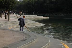 Как очистить пруд